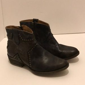 Circle G Shoes - Women's Circle G ankle boots  in Star pattern
